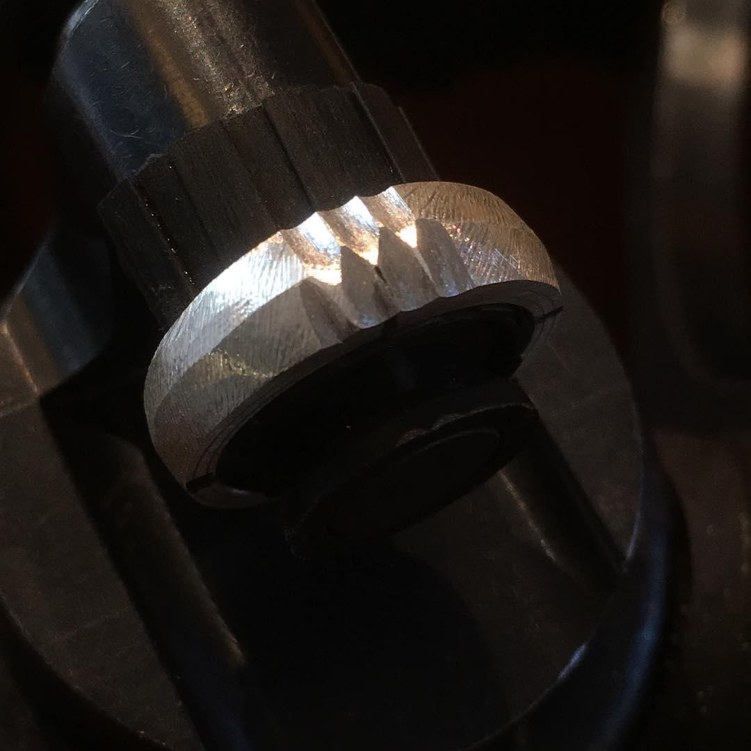 moderner Ring aus Silber