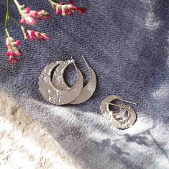 Varianten von Statement-Creolen »Mond« aus 925er Silber