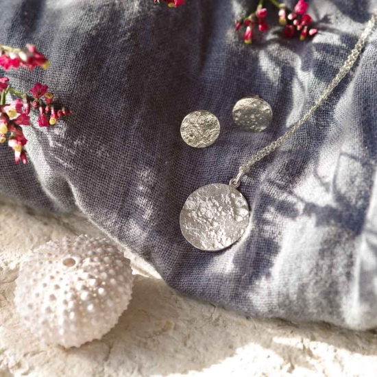 Kleine runde Ohrstecker »Vollmond« aus 925er Silber